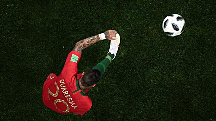 Portekizli yıldızın trivela vuruşu yaparken Örümcek kameraya yansıyan görüntüsü...