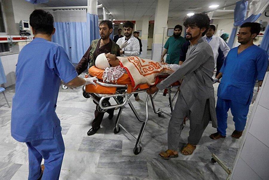 Seçim ofislerine gerçekleştirilen saldırıda birçok sivil hayatını kaybetti.