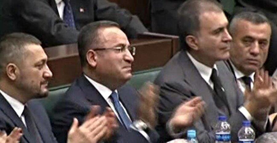 Bekir Bozdağ, Erdoğan'ı dinlerken gözyaşlarını tutamadı.