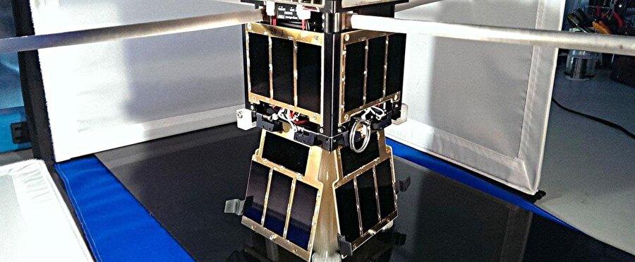 NASA'nın evrak çantası büyüklüğündeki CubeStat uydusu, boyutu ve kompaktlığıyla ilgi çekiyor.