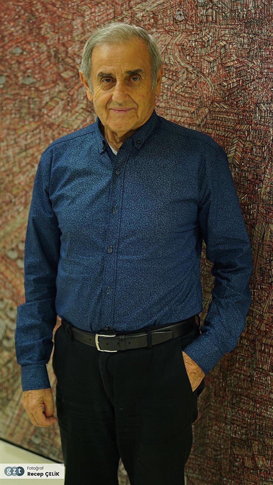 1985'de Mimar Sinan Üniversitesi, Güzel Sanatlar Fakültesi Resim Bölümü Başkanlığı,1988'de Yıldız Üniversitesi Güzel Sanatlar Bölümü Başkanlığı,1990 yılında Mimar Sinan Üniversitesi Güzel Sanatlar Fakültesi Dekan Yardımcılığı görevine getirildi.