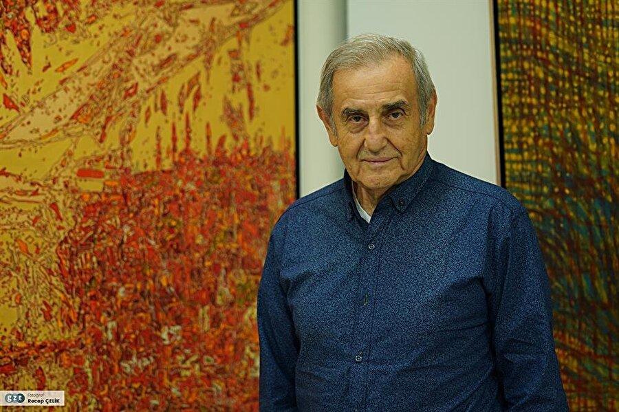 1955'de İstanbul Devlet Güzel Sanatlar Akademisi Resim Bölümü`ne girdi. Galeride Halil Dikmen`in, atölyede Bedri Rahmi Eyüboğlu`nun öğrencisi oldu.