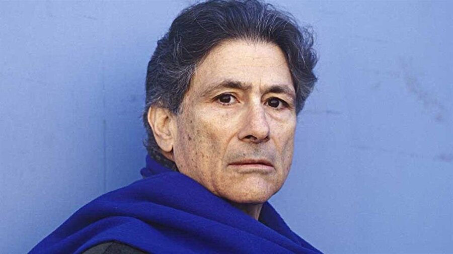 """Edward Said'e göre Lewis, """"tarih birikimini oryantalizm ve emperyalizmin emrine vermiş"""" biriydi."""