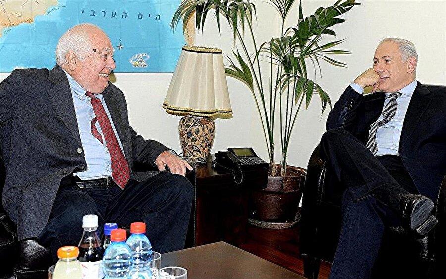 Bernard Lewis, hayatının sonuna kadar İsrail'in sıkı bir destekçisiydi.
