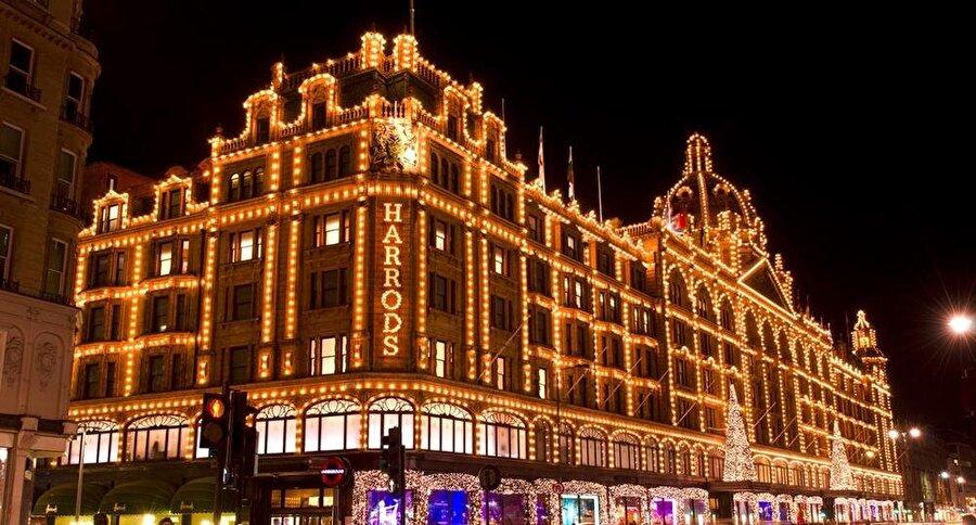 Londra'nın en ünlü lüks alış veriş merkezi.