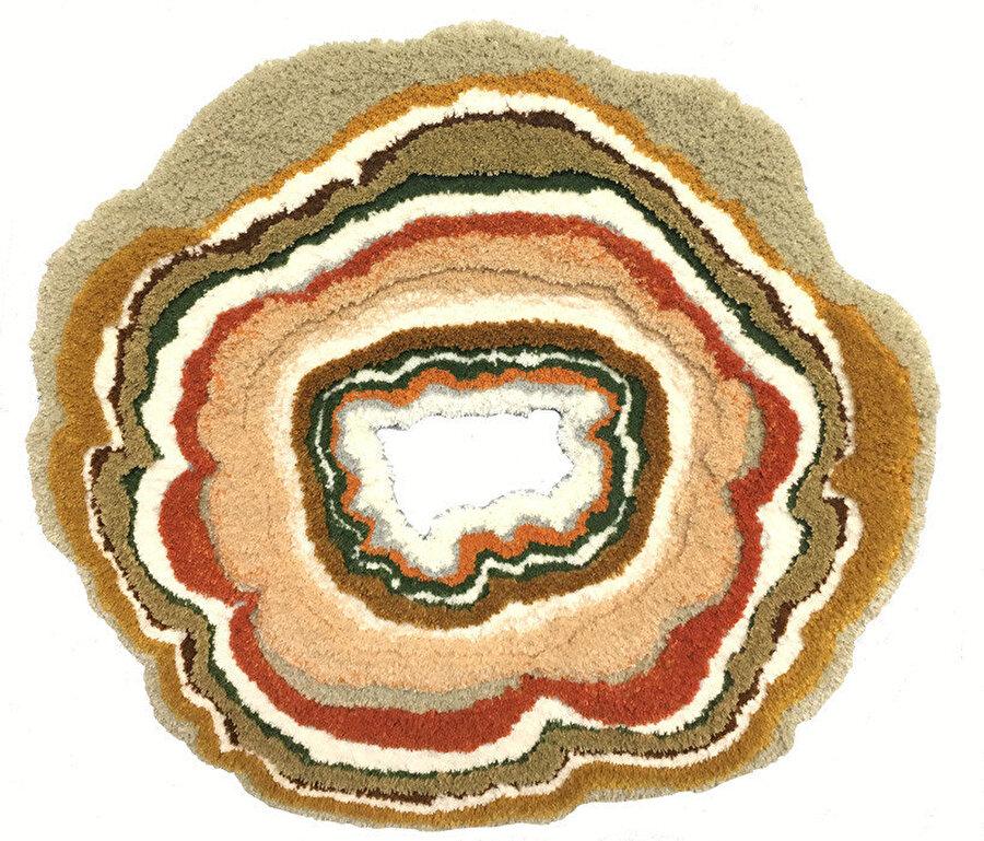 Delik tasarımlı yosun halı