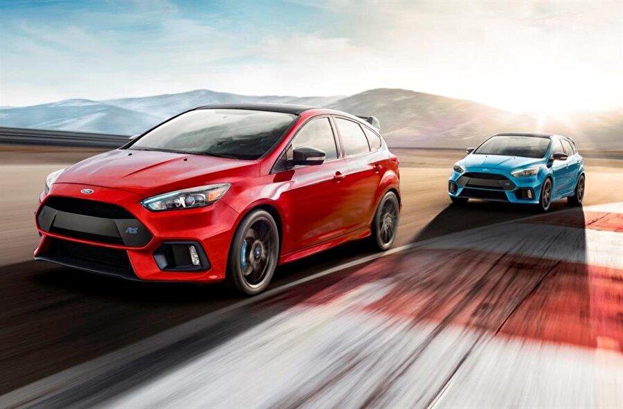 Ford Focus'un ABD billboard'larında yer alan afişlerindeki renk uyumu ve sanatsal ögeler beğeni kazanmayı başarmıştı.