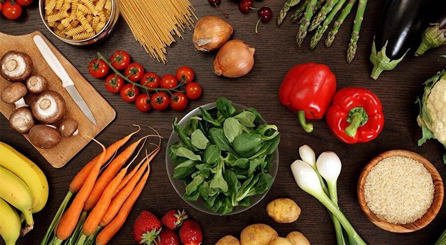 Vegan kişiler, hayvan kullanımı yoluyla elde edilen gıdaları, giyecekleri ve diğer tüm yan ürünleri kullanmayı reddetmektedir.