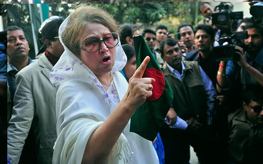 Halide Ziya, iki dönem başbakanlık yaptı.