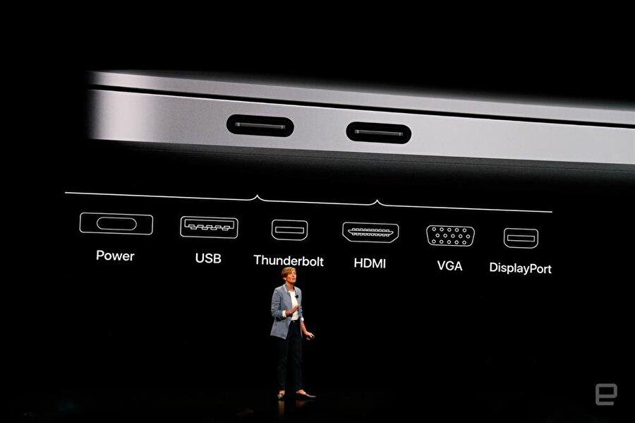 En önemli ayrıntılardan biri de elbette Thunderbolt. Yeni MacBook Air'de iki tane Thunderbolt 3 arabirimi bulunuyor. Fotoğraf: Engadget