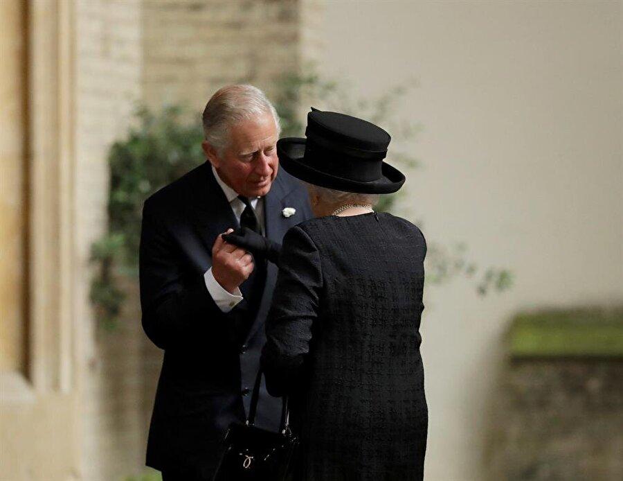 İngiltere Kraliçesi II. Elizabeth'in oğlu Prens Charles'ın 3 yıl sonra yetkileri alacağı iddia edildi.