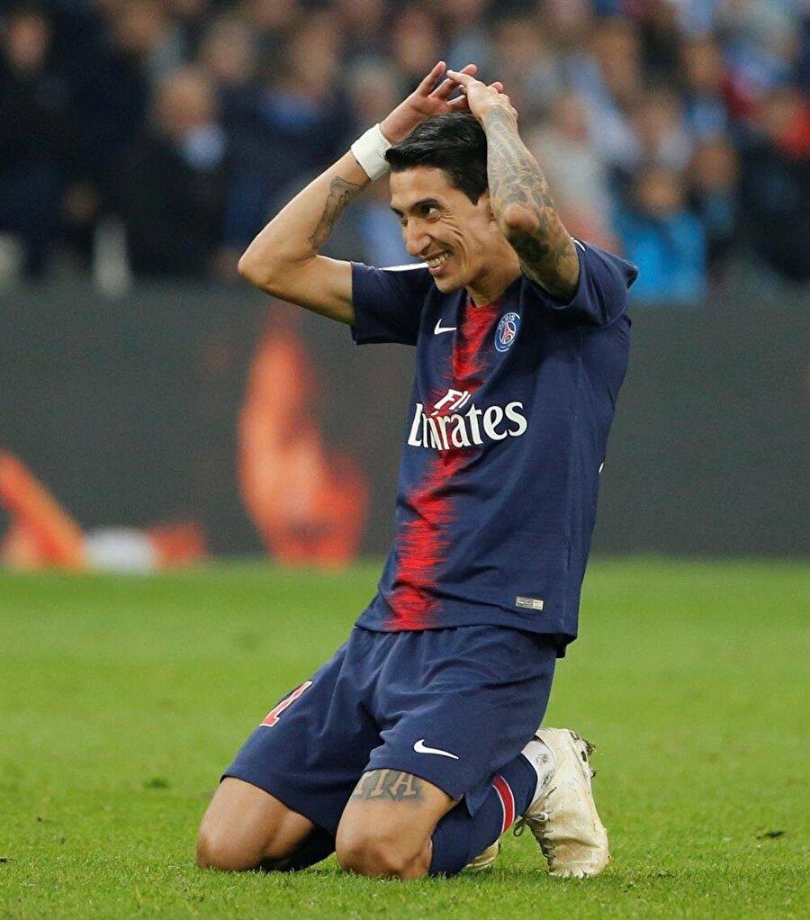 Angel di Maria, PSG formasıyla kaçırdığı golün ardından büyük üzüntü yaşıyor.