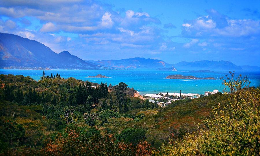 Ada ülkesi doğal güzellikleri ile dikkat çekiyor.