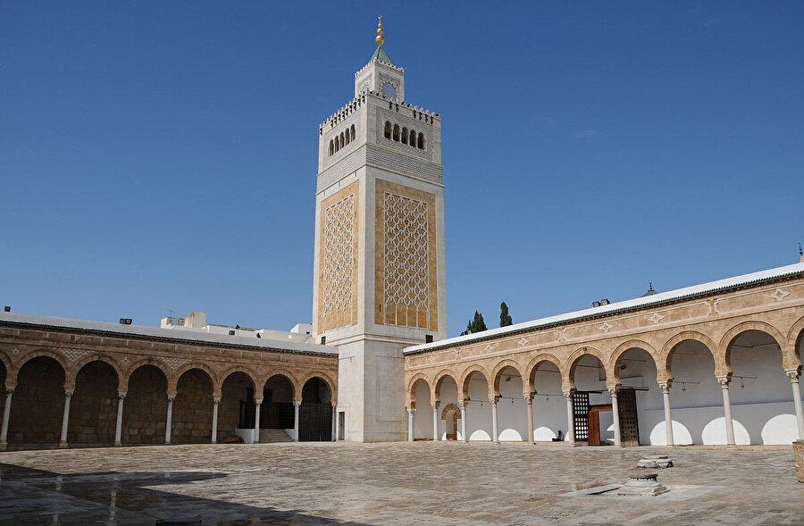 İbn Atâullah'ın eseri, doğudan batıya kısa zamanda oldukça geniş bir coğrafyaya yayıldı.