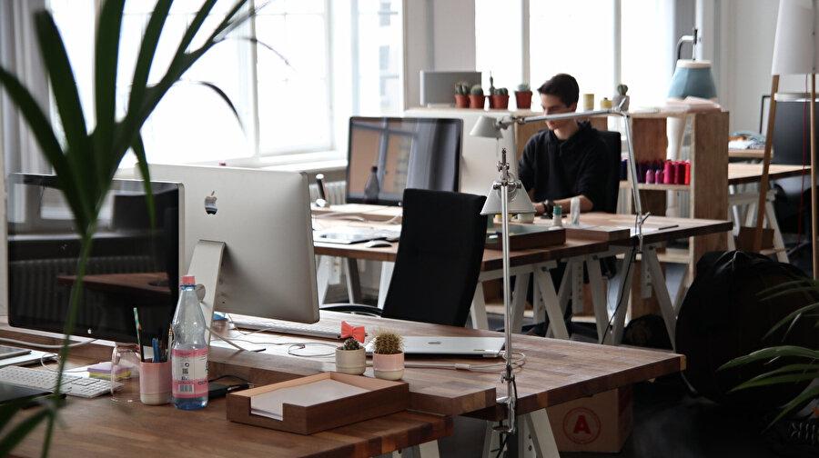Almanya'da şirketiniz adına açacağınız ofisinize sekretarya desteği sağlanıyor.