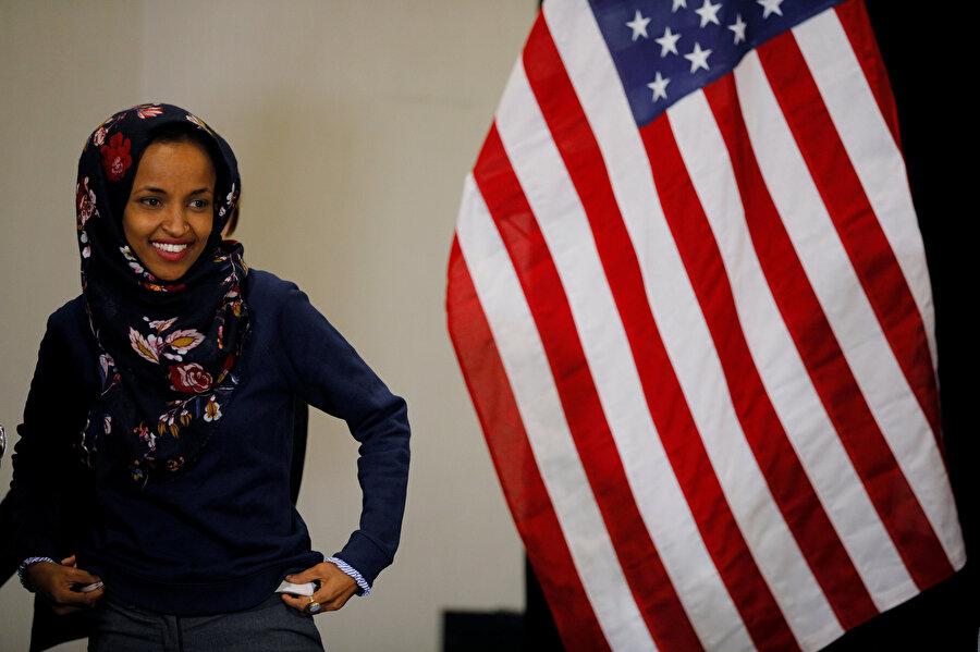Omar, ABD Temsilciler Meclisinin başörtülü ilk Müslüman kadın üyesi oldu.