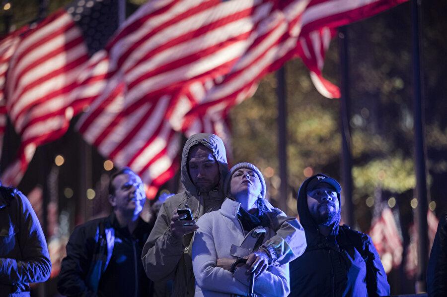 ABD'li seçmenler oy sayımını büyük bir heyecanla bekledi.