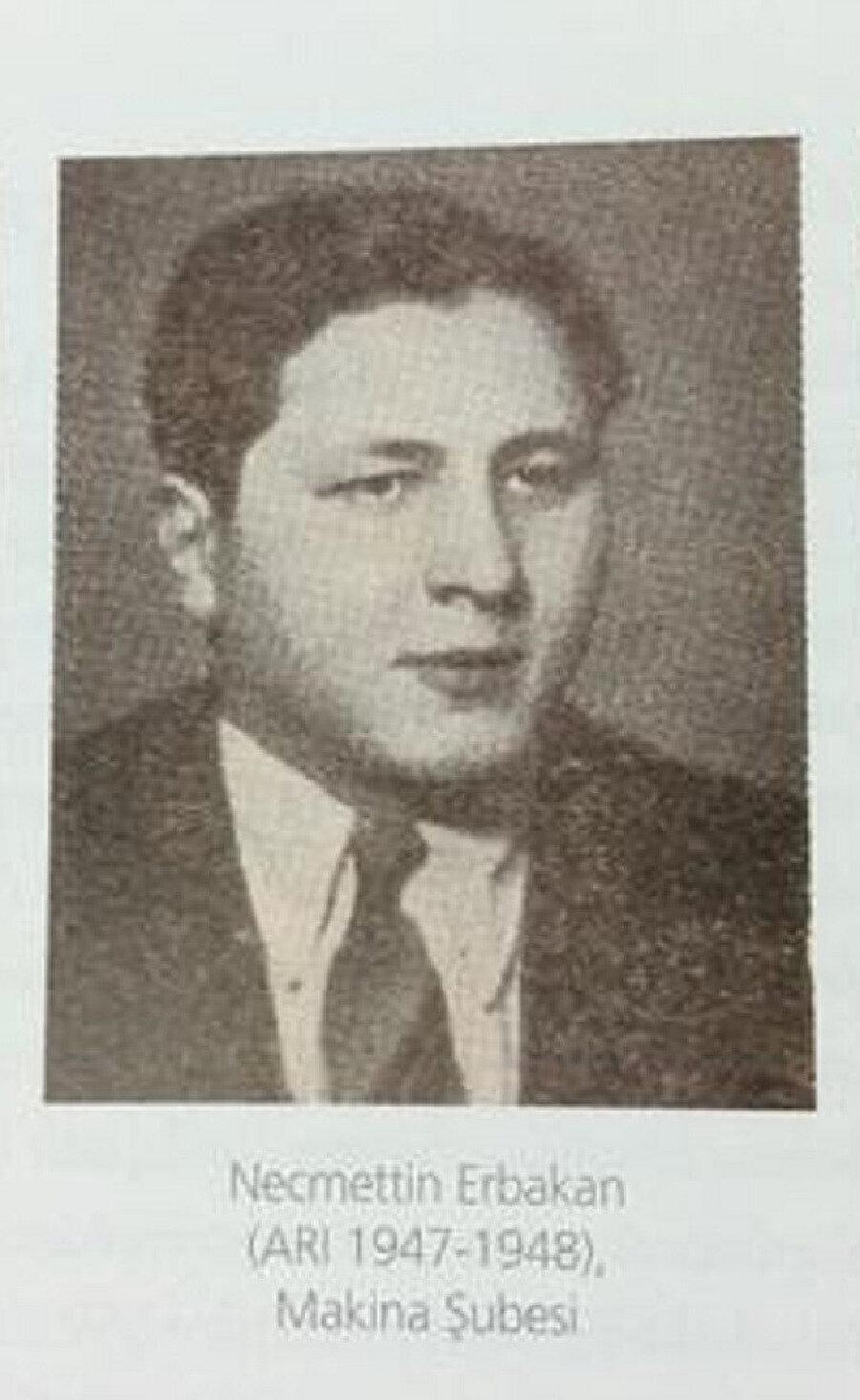 Erbakan'ın gençlik yıllarından bir fotoğraf karesi