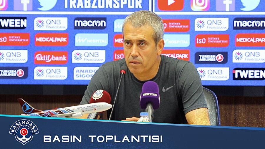Kemal Özdeş, basın toplantısında açıklama yaparken.