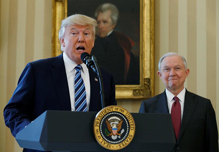 ABD Başkanı Donald Trump, ara seçimlerden sonra Beyaz Saray'da bir basın toplantısı düzenledi.