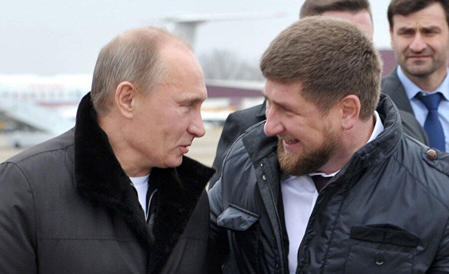 Vladimir Putin ve Çeçenistan Cumhurbaşkanı Ramazan Kadırov.