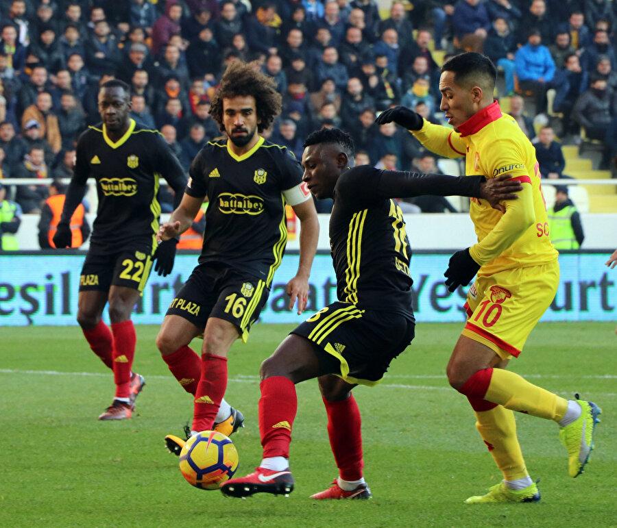 Yeni Malatyaspor, Erol Bulut ile birlikte yalnızca teknik anlamda değil, mücadele noktasında da 'iyi bir takım' haline geldi. Oyuncular, bu sezonki Göztepe maçında sahada basmadık yer bırakmadı.'