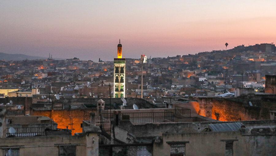 Mağrib coğrafyasının kültürel ve siyasal kodları, İbn Haldun'un hayatına damga vuran unsurlardan biridir.