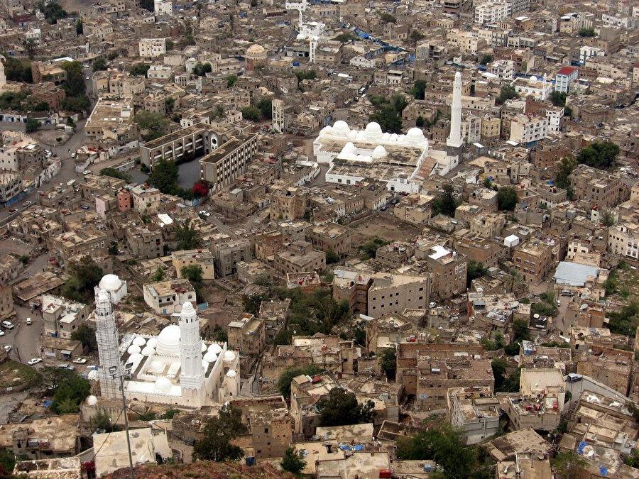 Taizz kenti, Mütevekkili Krallığı'nın da başkentiydi.