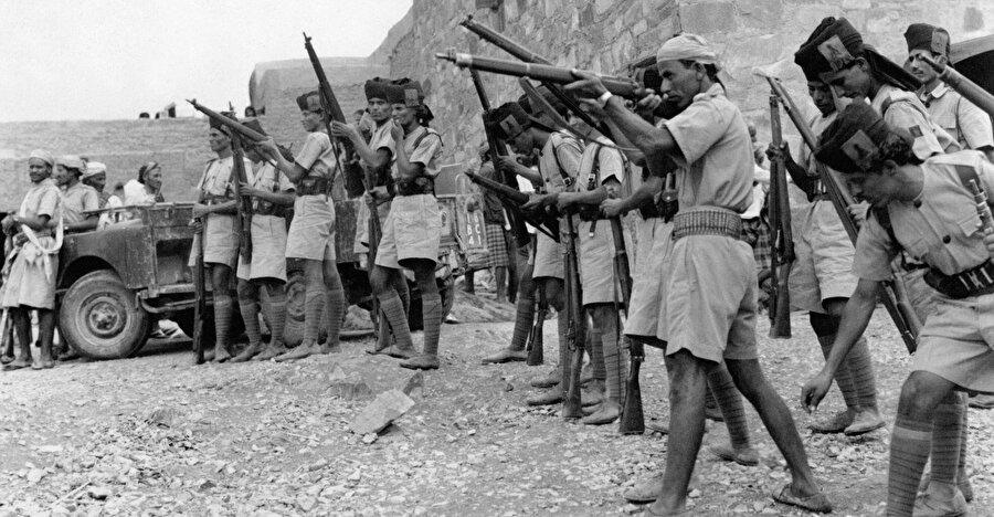 """1962-1970 arasında devam eden Yemen Savaşı, yaşanan kayıplar nedeniyle """"Mısır'ın Vietnam'ı"""" olarak anılıyor."""