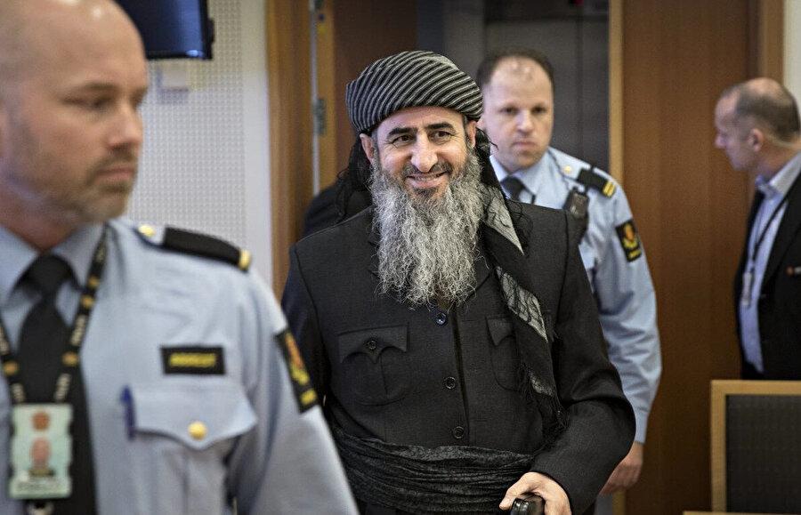 Molla Krekar adıyla bilinen Necmeddin Farac Ahmed sığındığı Norveç'te Başbakan Erna Solberg'in de bulunduğu çok sayıda insana ölüm tehdidinde bulunmak suçlamasıyla hapis cezasına çarptırılmıştı.
