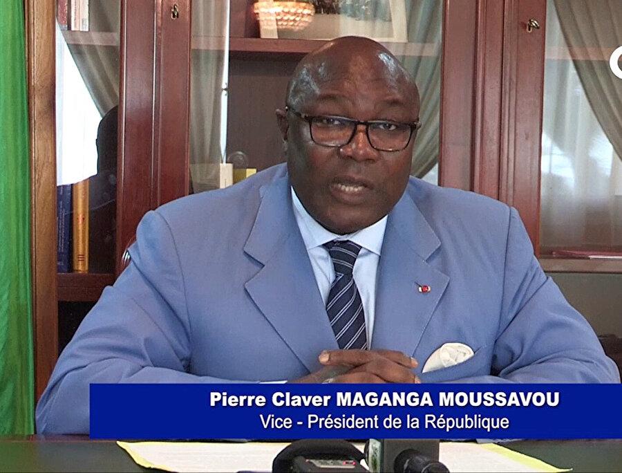 Cumhurbaşkanı Ali Bongo bazı görevlerini geçici olarak Cumhurbaşkanı Yardımcısı Pierre-Claver Maganga Moussavou'ya vermişti.