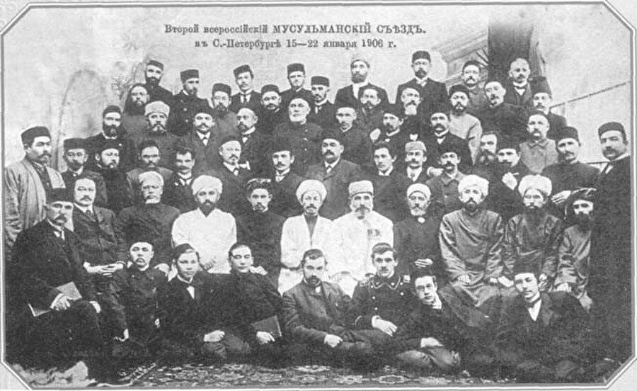 Rusya Müslümanları İkinci Kongresi'nden bir kare.