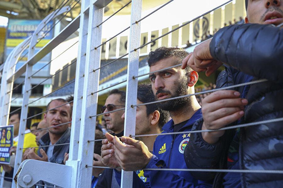 Arşiv: Fenerbahçe taraftarı Ülker Stadyumu'ndaki yerini aldı.
