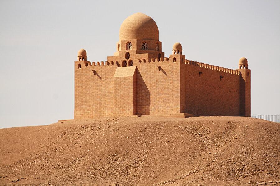 Ağa Han'ın Mısır'ın Asvan bölgesindeki türbesi.