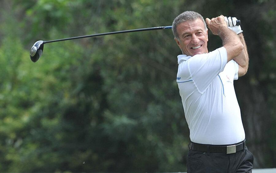 Ahmet Ağaoğlu, en az Trabzonspor kadar golfe de tutkun.