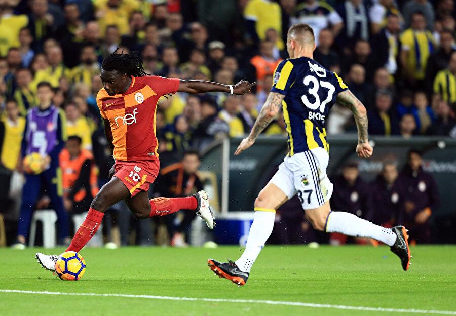 Fransız golcü, geçen sezon Ülker Stadyumu'nda oynana Fenerbahçe derbisinde kaleyi yoklamaya hazırlanıyor...