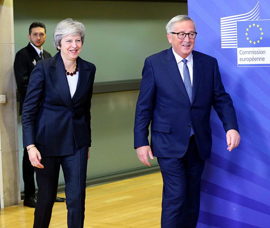 İngiltere Başbakanı Theresa May ile Avrupa Birliği (AB) Komisyonu Başkanı Jean-Claude Juncker dün Brüksel'de bir araya geldi.