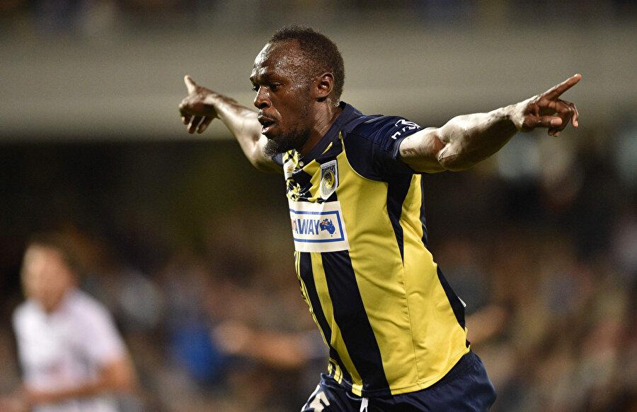 Avustralya'da deneme maçına çıkan Jamaikalı atlet ilk gol sevincini yaşıyor...