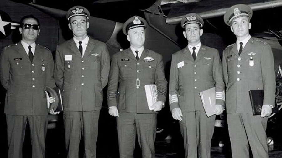 9 Martçılar olarak bilinen askeri cunta