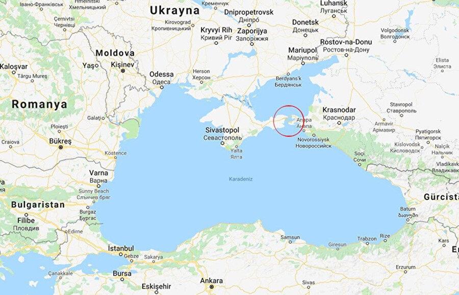 Sığ Azov Denizi Kırım'ın doğusunda ve Rusya yanlısı ayrılıkçılar tarafından ele geçirilen Ukrayna topraklarının güneyinde. Kuzey kıyılarındaki iki Ukrayna limanı Berdyansk ve Mariupol, buğday ve çelik ihracıyla, kömür ithali açısından önemli. 2003'te Rusya ve Ukrayna arasında yapılan anlaşma, iki ülkenin gemilerinin de özgürce bölgede seyredebilmesi öngörüyor.
