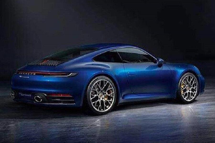 Porsche 911'in internete sızan görüntüleri, bir önceki modele dair çok ciddi farklılıklar içermiyor. (Kalitesiz fotoğraflar için özür dileriz! Biz aracıyız.)