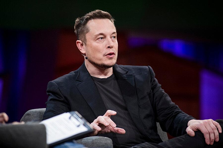 Elon Musk gerçek bir 'işkolik' olarak tanımlanıyor.