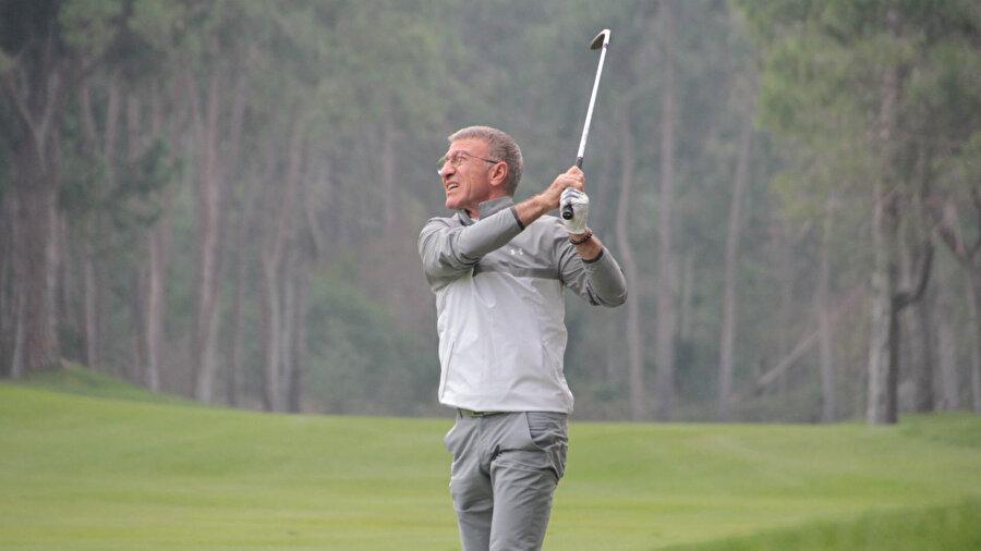 Ağaoğlu ileri derecede Golf sporunun tutkunudur.