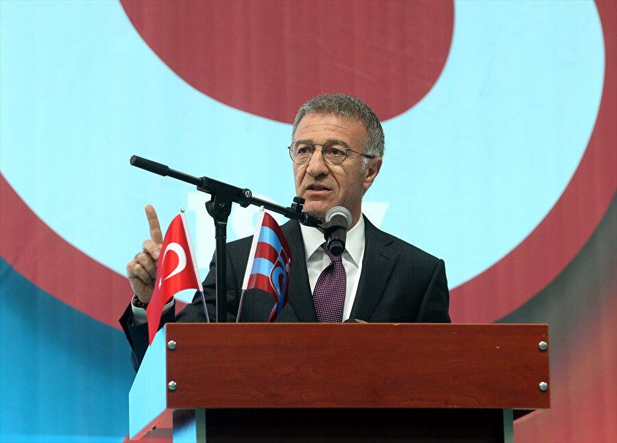 Ahmet Ağaoğlu, olağanüstü seçimli genel kurulda konuşmasını yapıyor...