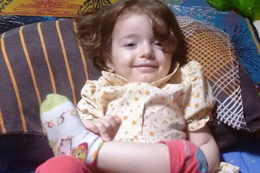 Minik Esma, 6 gündür yaşam mücadelesi veriyor.