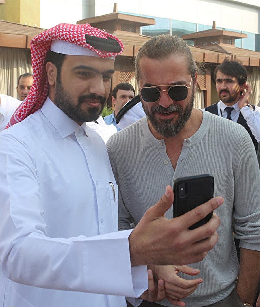 Düzyatan'a Katarlı hayranları yoğun ilgi gösterdi.