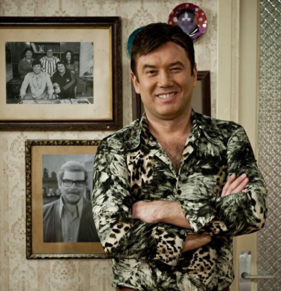 Şoray Uzun, TRT 1 ekranlarında yayınlanan Seksenler dizisinde başrol oyuncusuydu.