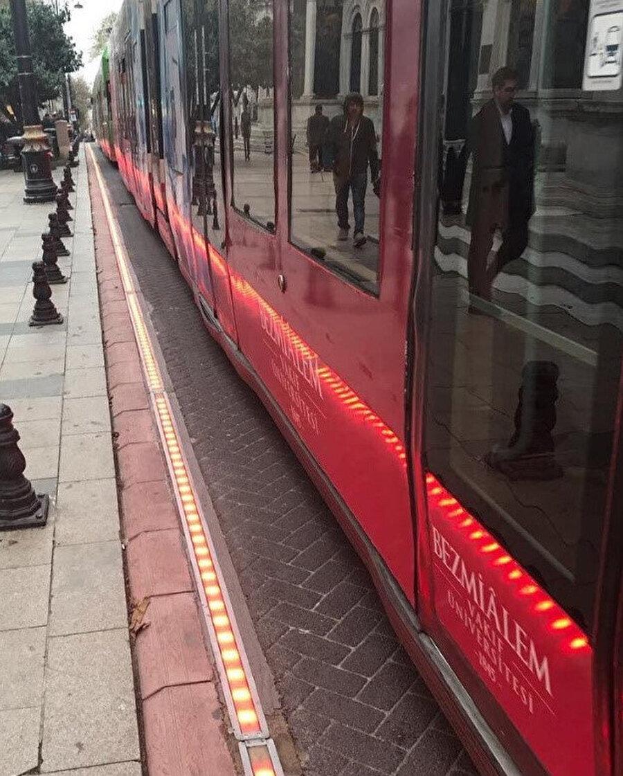 İBB tramvay yoluna ses emici sistem yerleştirdi.