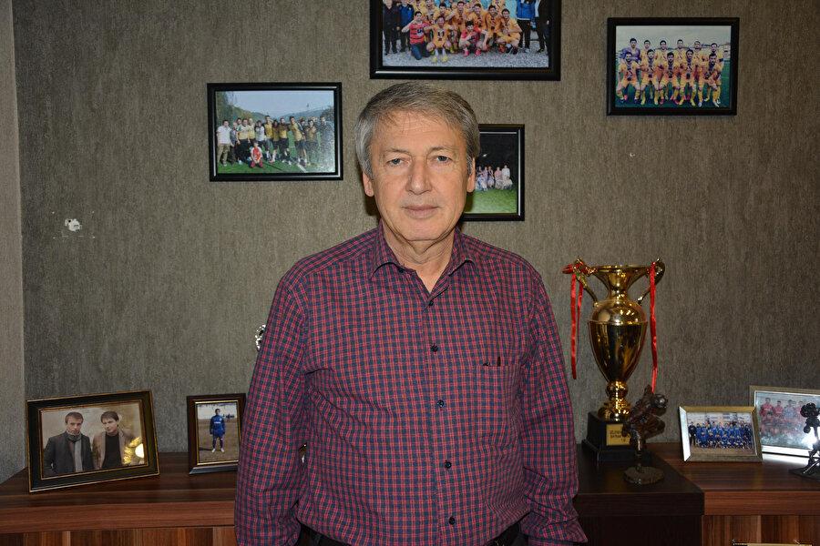 Safranboluspor Başkanı, basın mensuplarına makam odasını açtı ve konuyla ilgili açıklamalarda bulundu.