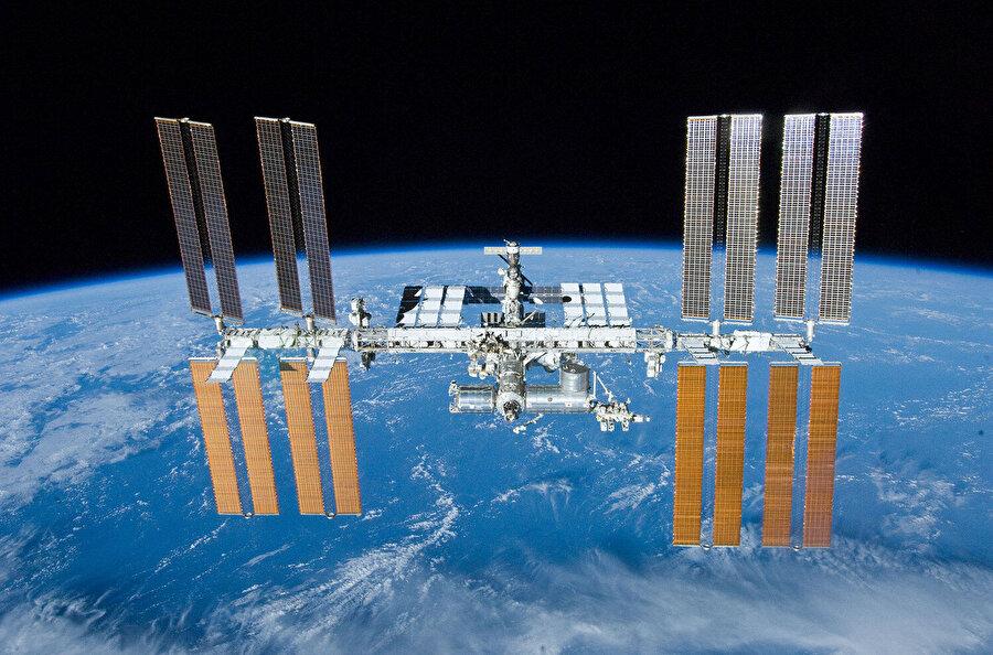 Uzay üstleri, çalışmaların makul olması noktasında büyük önem arz ediyor.